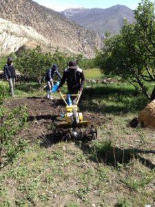 Help Tibet, new tractors